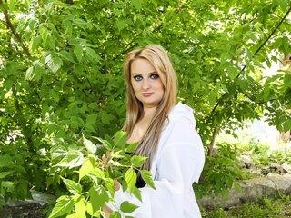 AnyaRae online